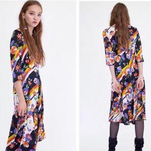 ❤️cute cute!! Zara floral striped midi dress